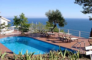 Holiday rental directly by the sea in the holiday resort of San Sebastiano in Liguria
