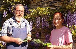 Apprenez à connaître les propriétaires hospitaliers et les produits de la région dans un Agriturismo en Ligurie