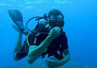 Profitez de vacances actives en Ligurie - essayez les sports aquatiques ou l'escalade dans les montagnes
