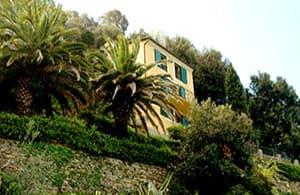Maison vVacances directement au bord de mer avec vue sur la péninsule de Portofino en Ligurie