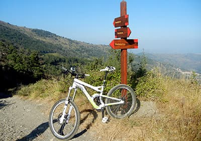 Des vacances avec le vélo en Ligurie- explorez la nature fascinante et les alentours d'une façon active