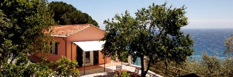Maison vacances indépendante, Villino Capo Berta, directement au bord de mer en Ligurie