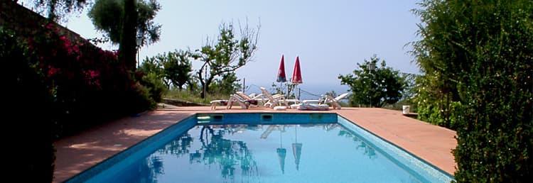 Maison vacances exclusive avec une merveilleuse piscine pour toute la famille en Ligurie