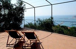 Maison vacances avec une vue fantastique sur la mer donnant sur la côte de Ligurie