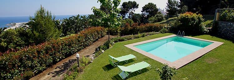 Location vacances Villa Paradiso avec piscine privée et vue mer en Ligurie