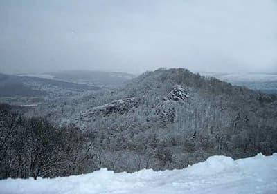 Pour profiter des sports d'hiver, visitez les régions alpines de Ligurie et du Piémont