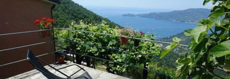 Maison de vacances avec une vue magnifique sur la mer dans un endroit calme en Ligurie