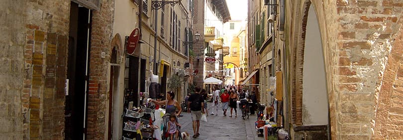 Vieille ville de Albenga en Ligurie
