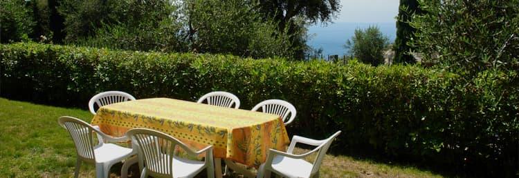 Hlocation de vacances avec une vue fantastique sur la mer et le jardin en Ligurie