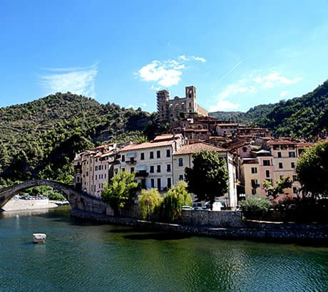Vue de Dolceacqua en Ligurie