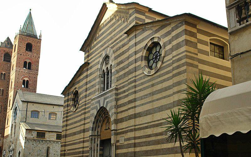 Une belle église de Albenga, Ligurie