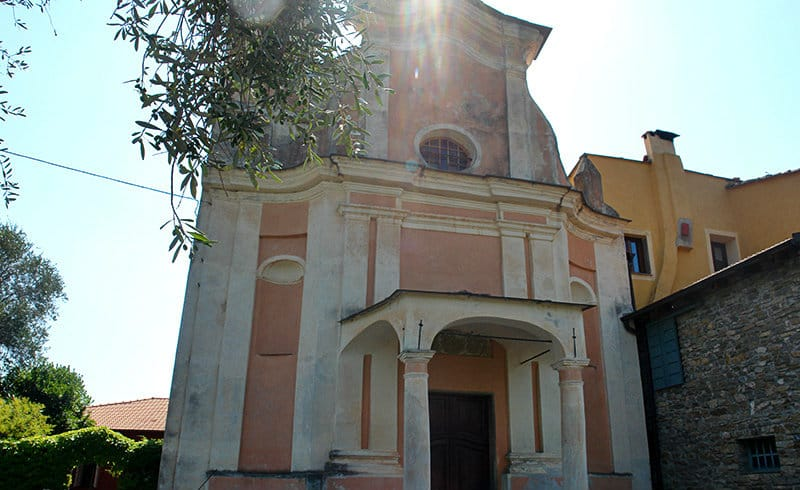 Een kerk in Dolcedo