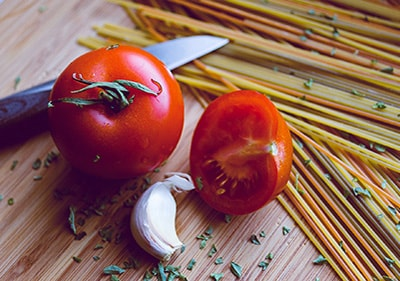 Les tomates à l'ail et au romarin