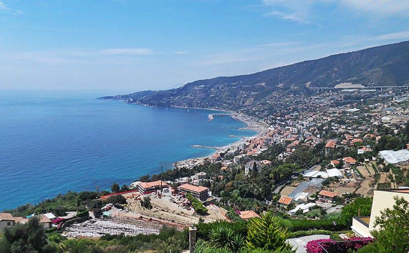 Atemberaubende Panoramablick von Sanremo, die Stadt der Blumen