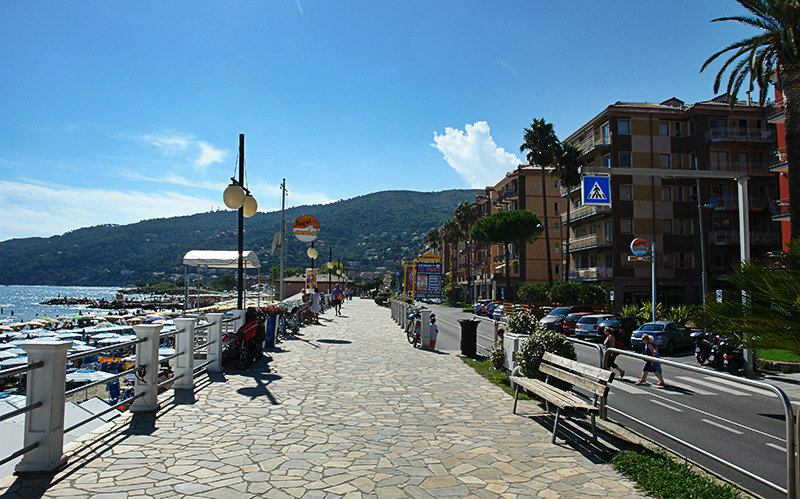 Een prachtige promenade van Andora