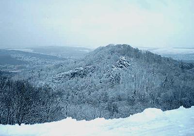 Une montagne enneigée en Ligurie