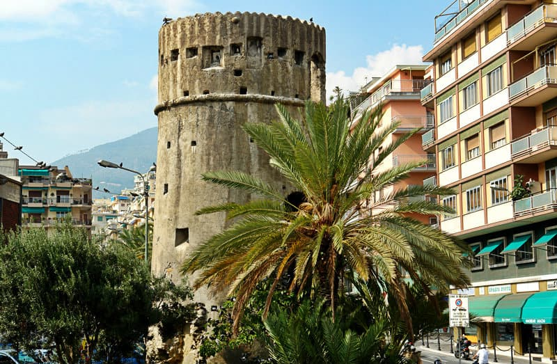 Ein Turm in der Stadt Sanremo