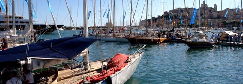 Bateaux à voile à Porto Maurizio pendant Vele d'Epoca
