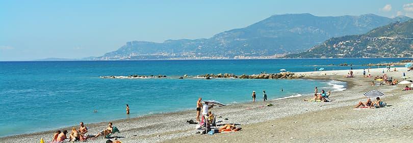 Plage de sable en Ligurie