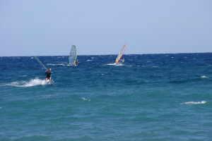 AKI Surfing Park planche à voile à Ligurie