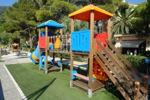 Monterosso terrain de jeux à Ligurie