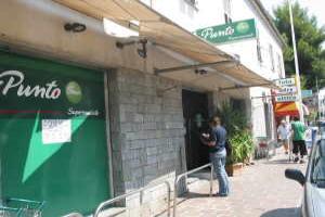 Punto Petite épicerie à Ligurie