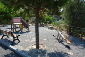 Moltedo terrain de jeux à Ligurie