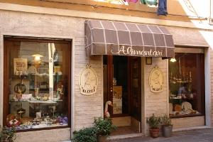 Alimentari F. Ui Parmiggiani Petite épicerie à Ligurie