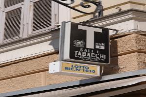 Tabacchi Petite épicerie à Ligurie
