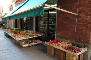 Alimentari Petite épicerie à Ligurie