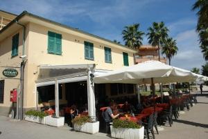 Emy Bar restaurants à Ligurie