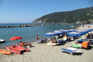 Serviced Public Beach Plages à Ligurie