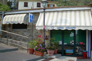 Mini Market Petite épicerie à Ligurie
