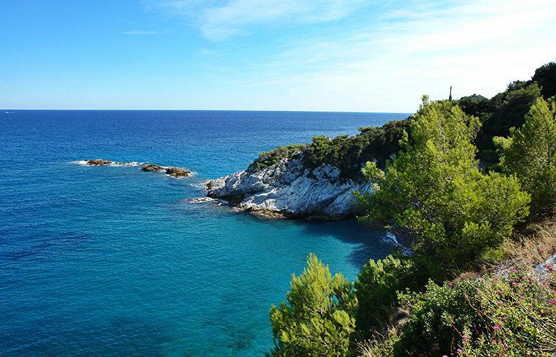 Une vue pittoresque de la destination de vacances - Bergeggi