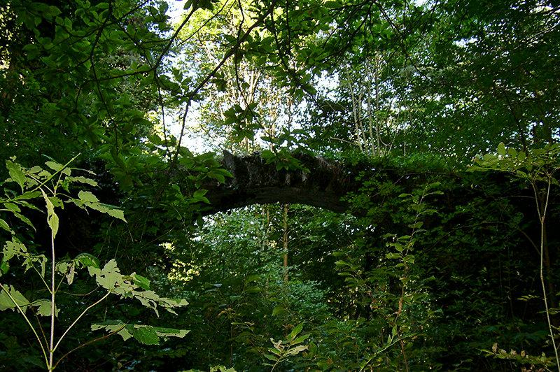 Un pont en Mendatica est une attraction touristique