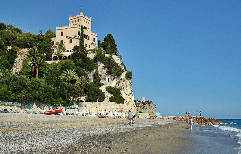 Une vue de Castel Gavone à Finale Ligure