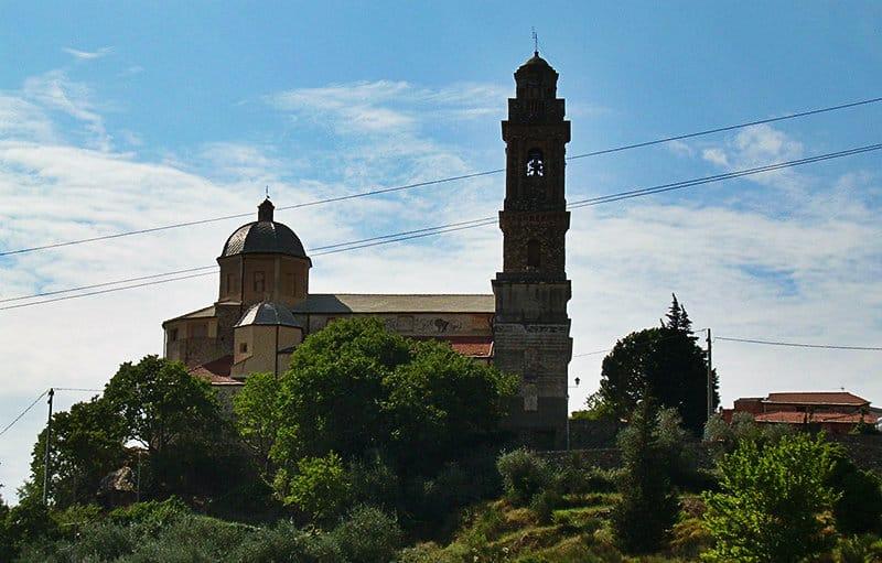 La vieille ville de Diano Arentino