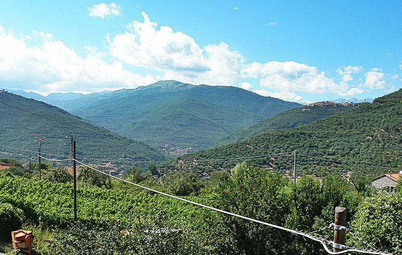 Vue sur les montagnes du village de Gazzelli