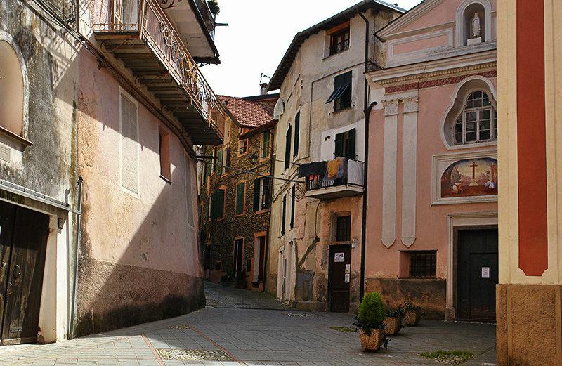 Une rue romantique de Isolabona