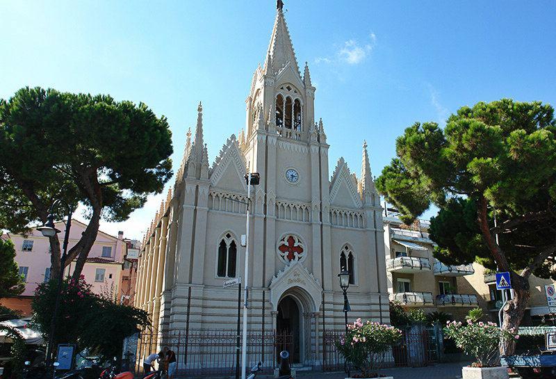 Church Ave Maris Stella dans le centre d'Imperia
