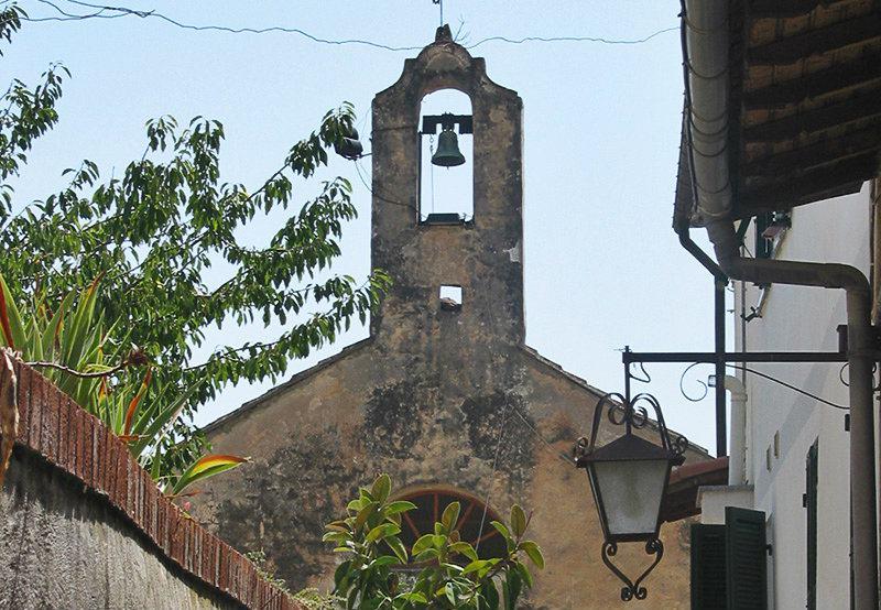 Une vue d'une église à Varcavello
