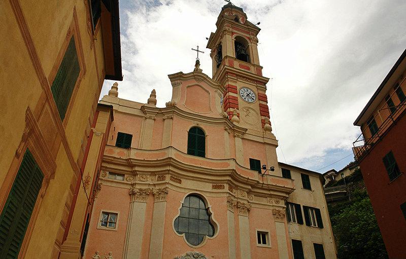 Une vieille église de Sori