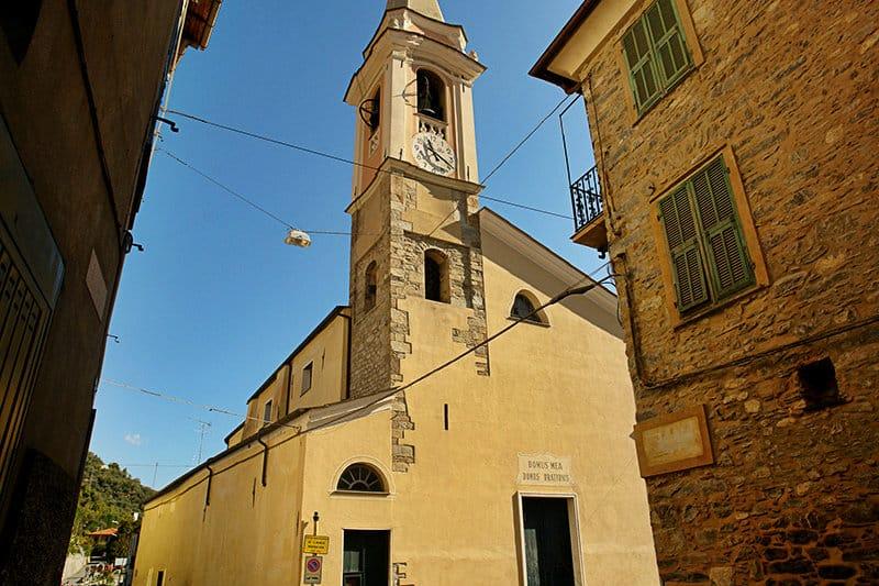 Une belle église de Vessalico en Ligurie