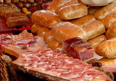 Viande fraîche dans un marché ligure