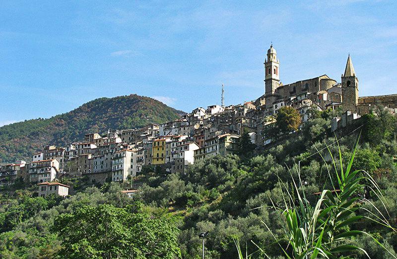 Une belle vue sur la destination de vacances de Molini di Triora