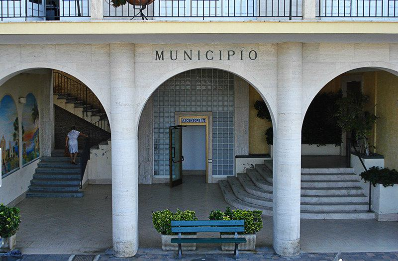 Il Municipio à Ospedaletti
