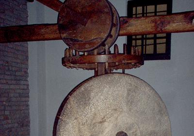 Olive Press en Museo dell'Olivo, Imperia