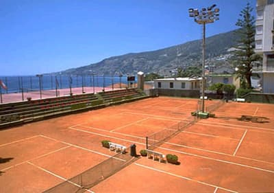 Court de tennis à Ospedaletti, Ligurie