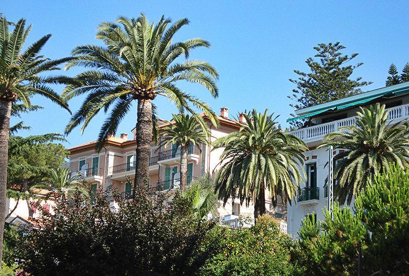 Belle villa à Ospedaletti entre palmiers