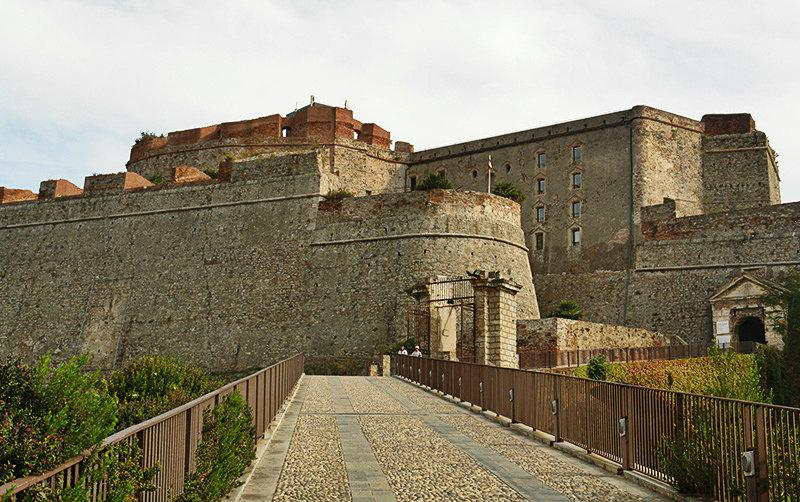 Une vue de Castello Priamar à Savona